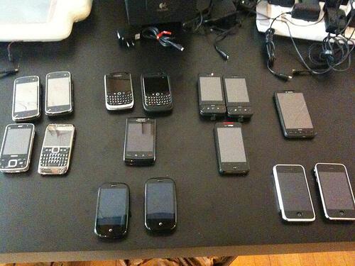 Sada testovacích mobílních zařízení pro vývoj jQuery Mobile.