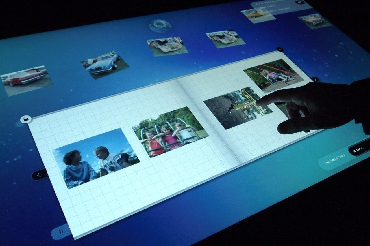 Prototyp Microsoft Surface – multi-touch uživatelského rozhraní.