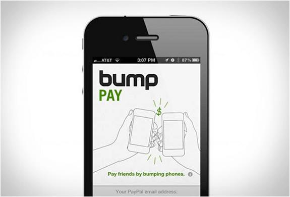 Placení pomocí Bump Pay – ťuknutím telefonu o sebe.