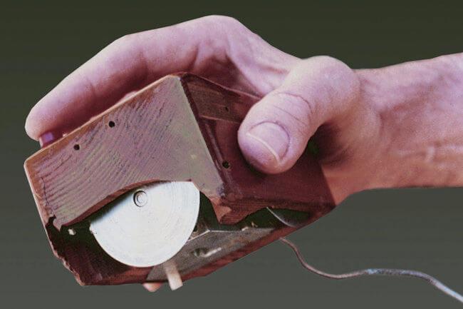 Prototyp počítačové myši.